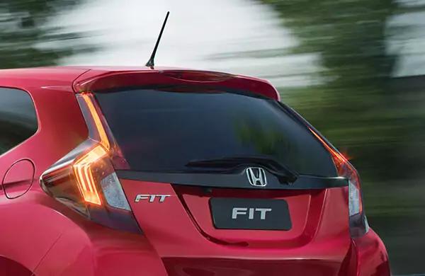 Honda Fiti 2021 lanternas traseiras
