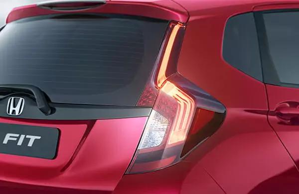 Honda Fiti 2021 traseira direita