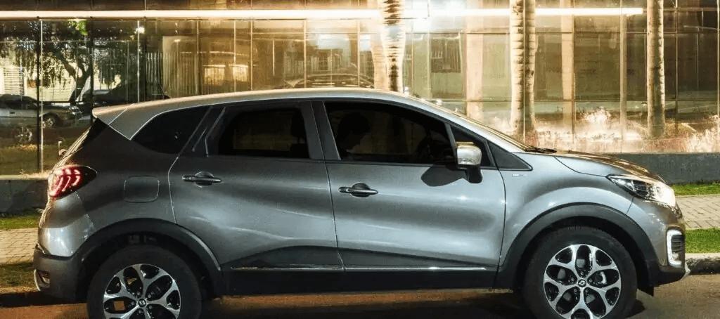 Renault Captur 2021 lateral direita