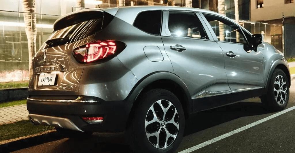 Renault Captur 2021 traseira direita