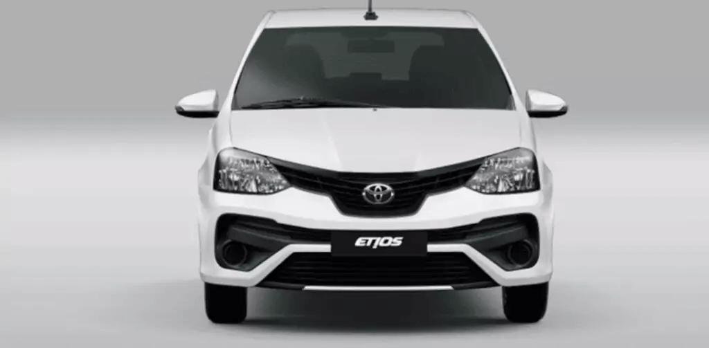 Toyota Etios 2021 frente