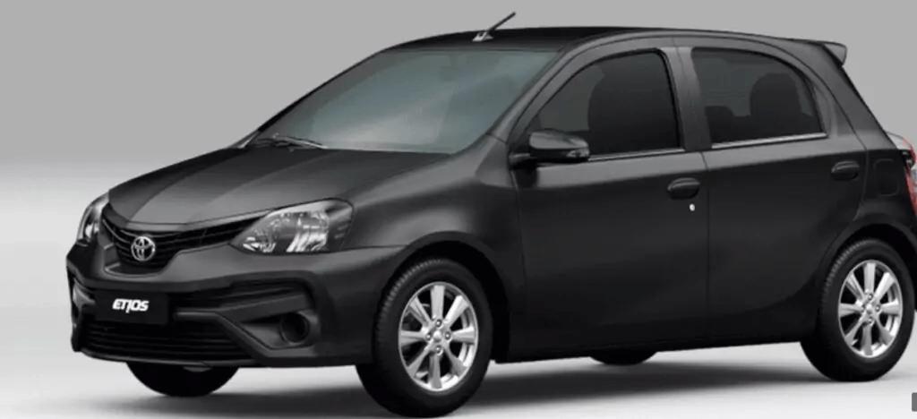 Toyota Etios 2021 lateral esquerda