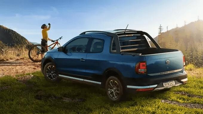 VW Saveiro 2021 lateral direita