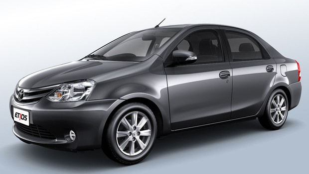 toyota-etios-2017-sedan